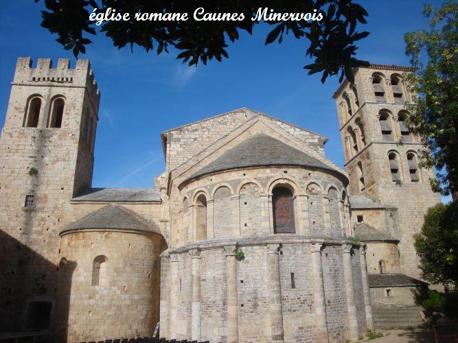 04 abside et absidioles église romane Caunes en Minervois