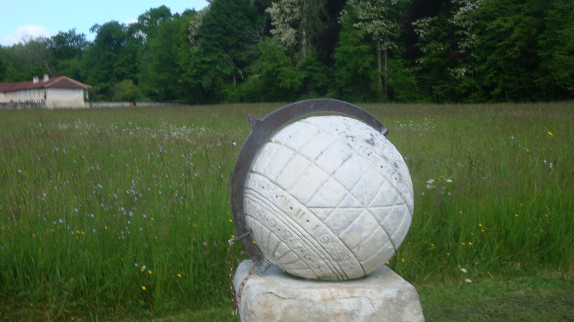 La Brede 8 cadran solaire