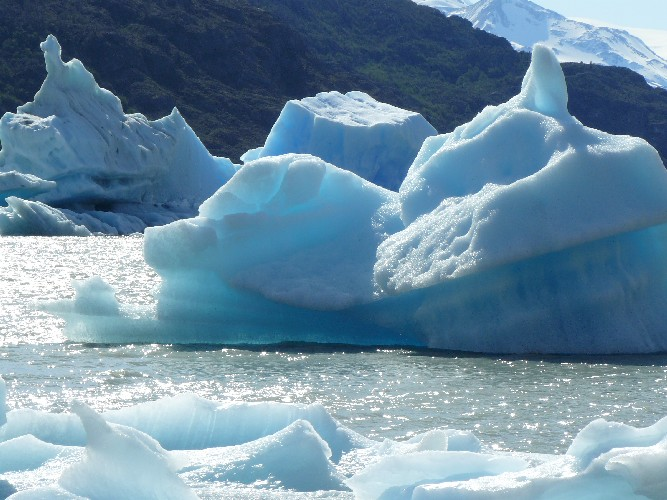 glacier grey 0010004