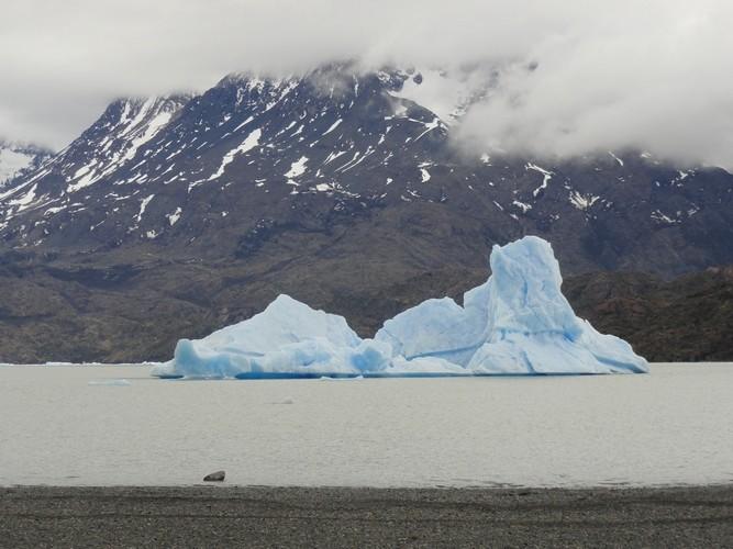 glacier grey 0010012
