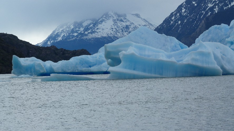 glacier grey 0010014