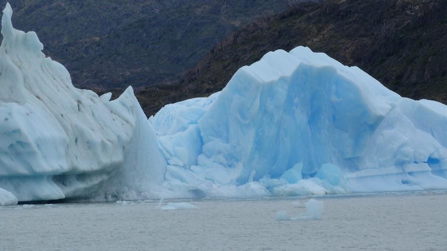 glacier grey 0010017