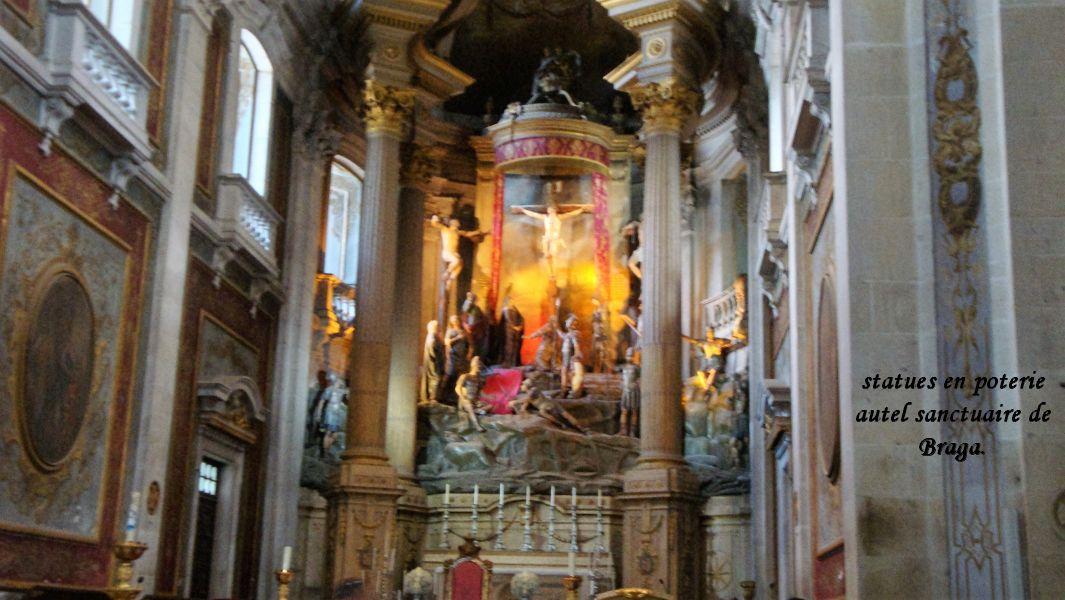 17 Braga autel mort de Jésus statues en poterie