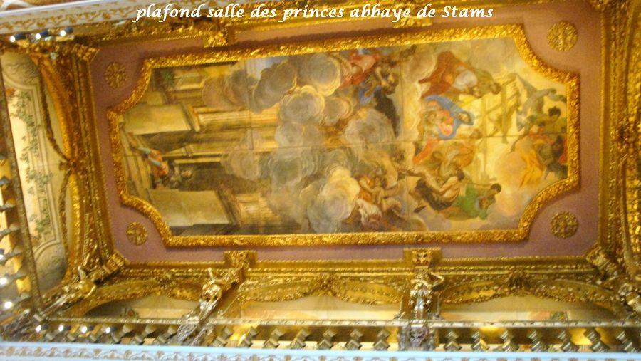 22-plafond-stams-et-place-musiciens
