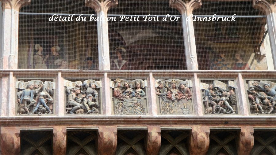 45-detail-balcon-maison-toit-dor