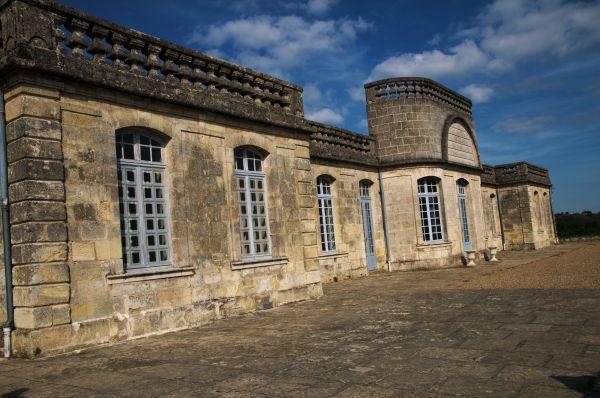 004 facade chateau