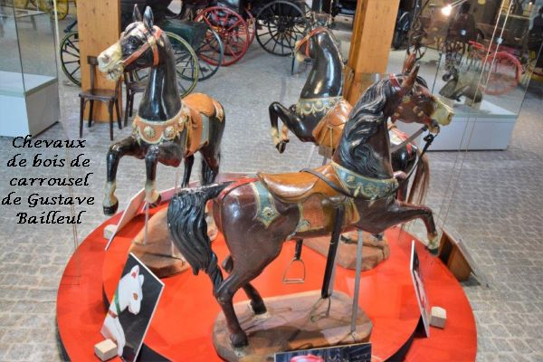 022 chevaux de bois
