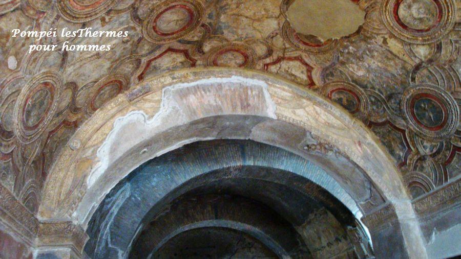 19 Pompéi thermes hommes murs décorés