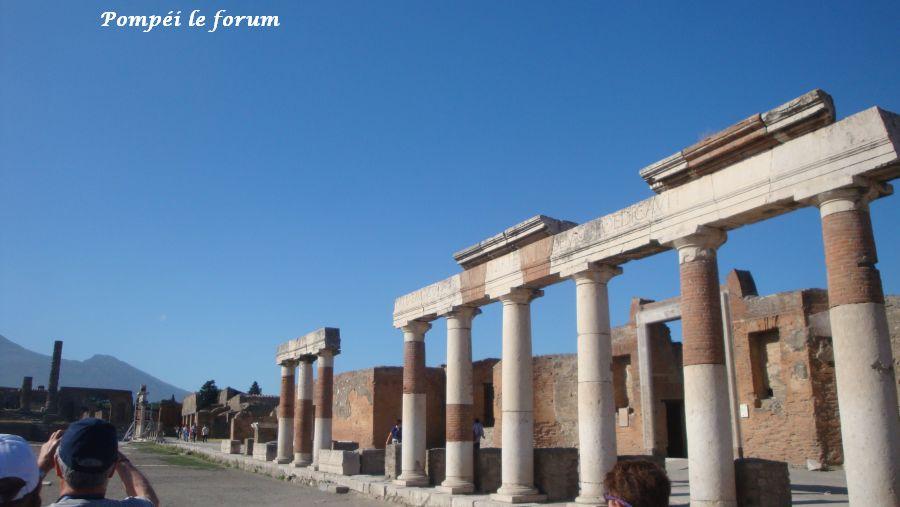 25 Pompéi forum