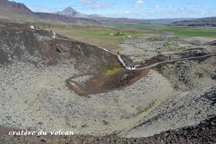 15 cratère volcan