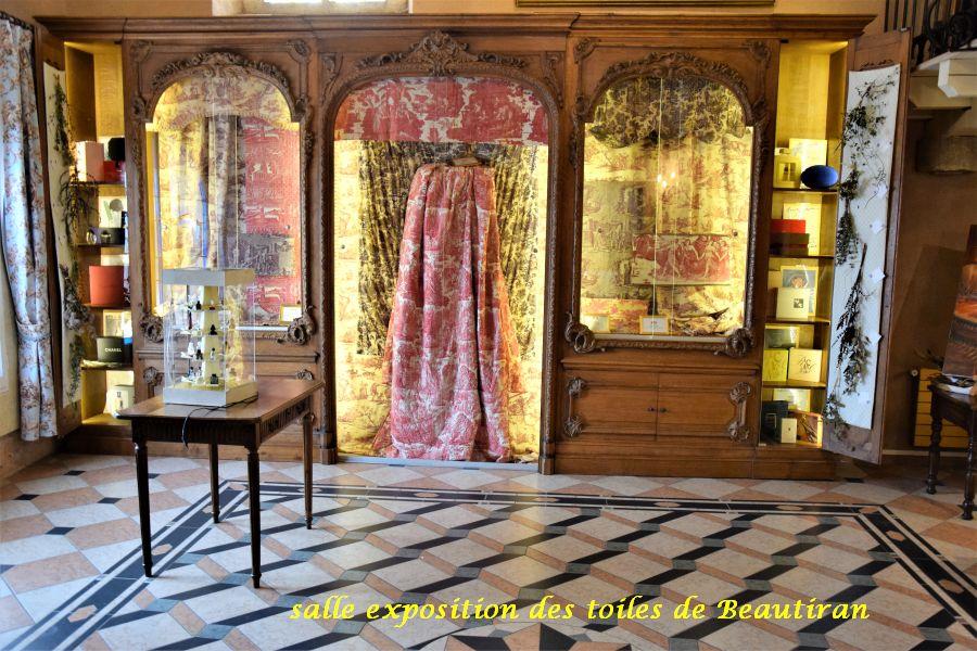 023 salle expo toiles Beautiran
