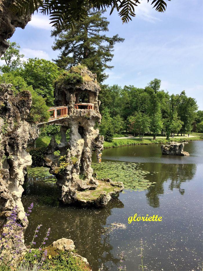 19 gloriette sur lac extérieur