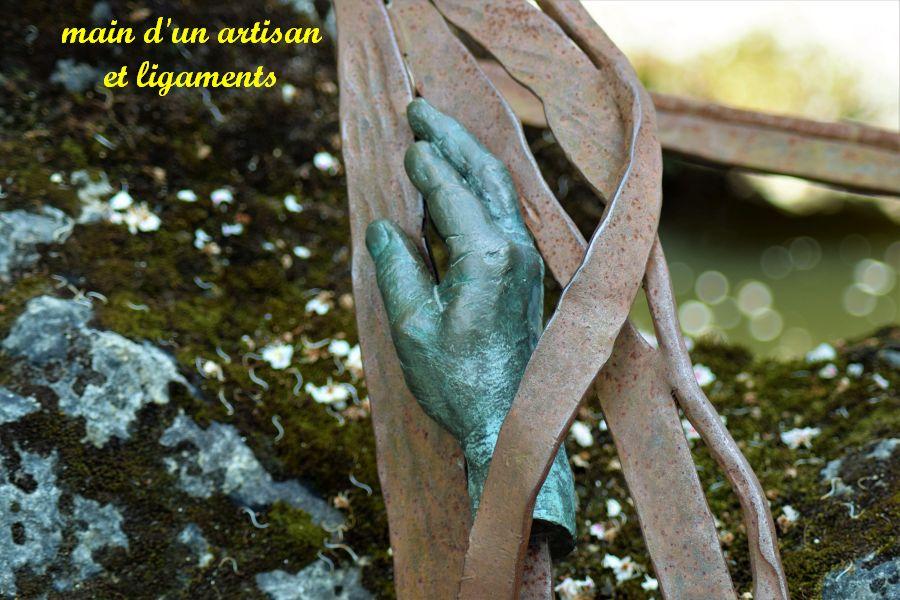 20 main d'artisan et ligaments sur le pont en faux bois