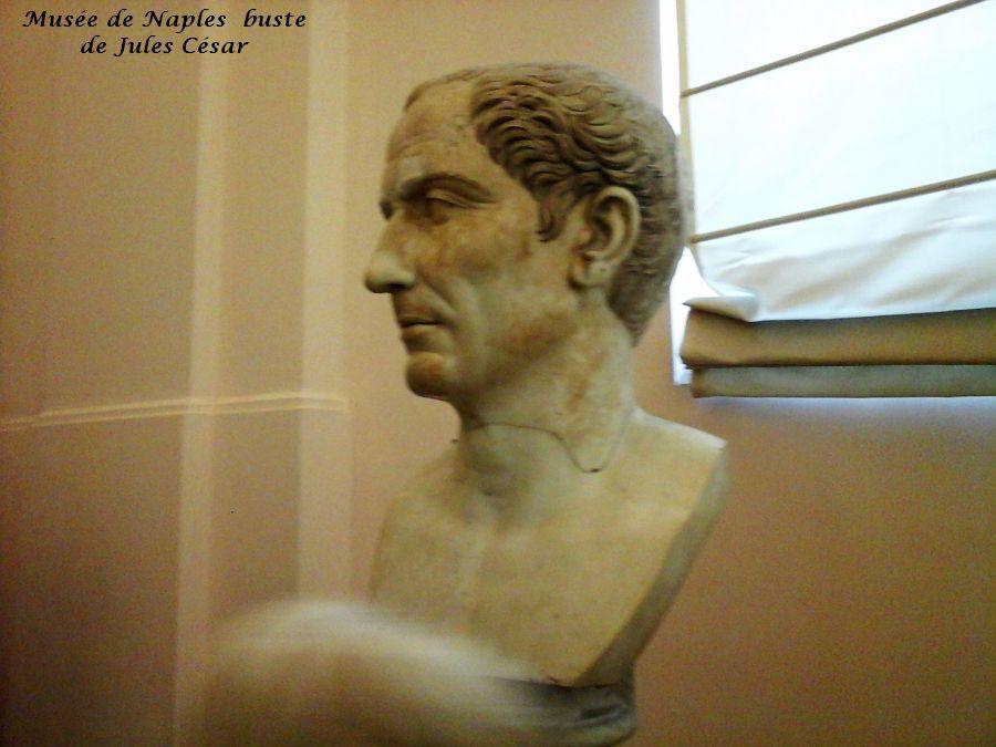 11 Naples Jules César