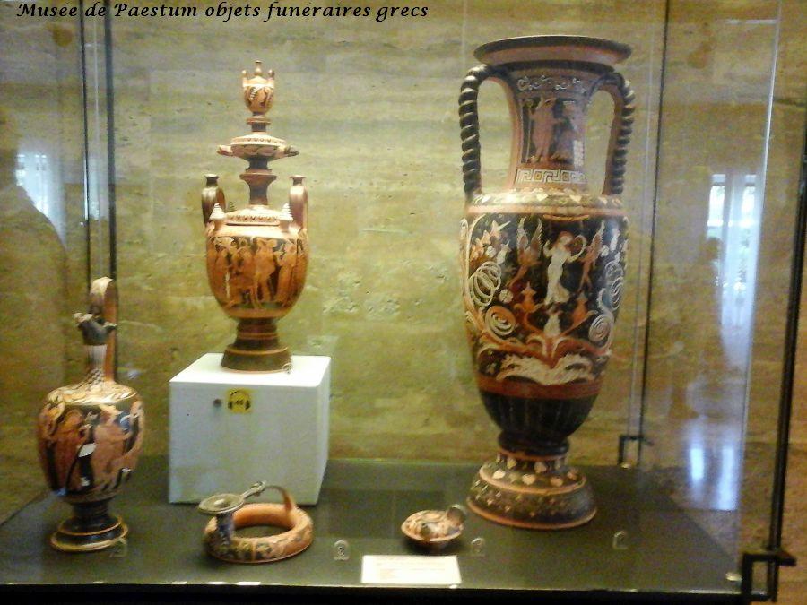 25 musée Paestumbrule parfum