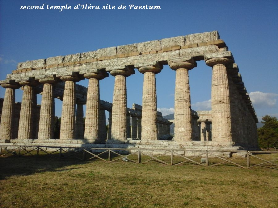 30 Paestum temple Héra 2